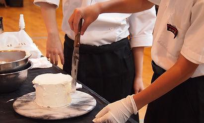 学校ウエディング ケーキ作り