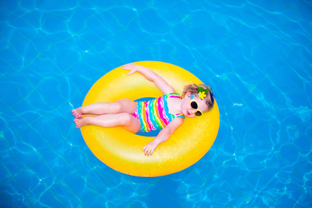 6 ways to keep your fundraising on track in the lazy, hazy days of summer