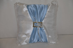Ivory and Blue Ring Cushion