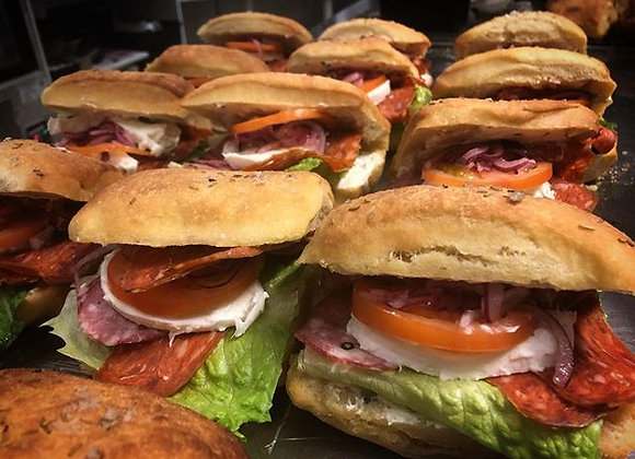 Stora lunchsmörgåsar