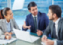 Litigaton Consulting, People discussing ideas