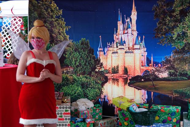 DisneyCastMarketplace (44)_DxO.jpg