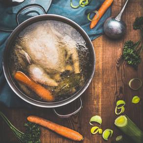 Kraft tanken mit Hühnersuppe