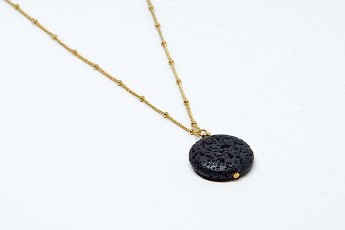 Кулон c вулканическим камнем на цепочке