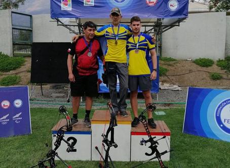 Nuestros socios Dei Goñi y Andrés Vargas ganan medalla de oro en Santiago.