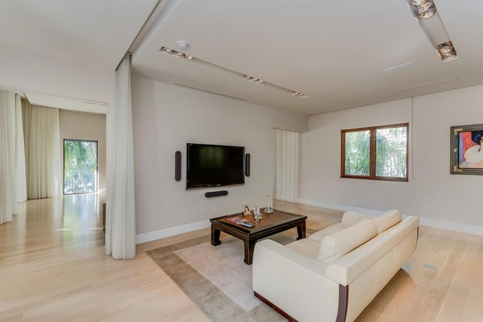 Master Room Living Room