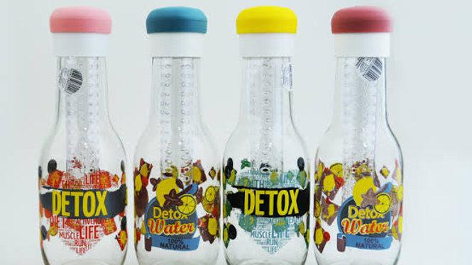 Detox şu şişeleri