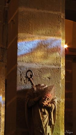 Lumières dans l'église de Hortes