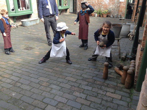 Y2 pupils had a fantastic visit to the Birmingham Back to Backs...