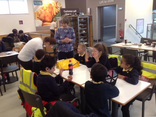 Y3 Freesia Class visited Sainsbury's cafe to practice their very best spoken language skills! This i