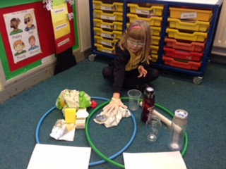In Science, Y1 Hummingbirds have been learning about the properties of different materials.