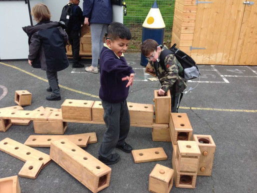 Year 2 (Roses) enjoy the fabulous new school resource. They experimented with building and sorting t