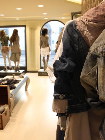 gogol-abbigliamento-bergamo-min.JPG