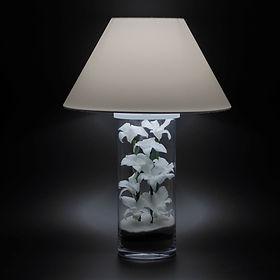 lampe orchidées blanches stabilisées Paris aucun entretien décoration végétale moderne design contemporain style japonais zen épuré nature et lumière