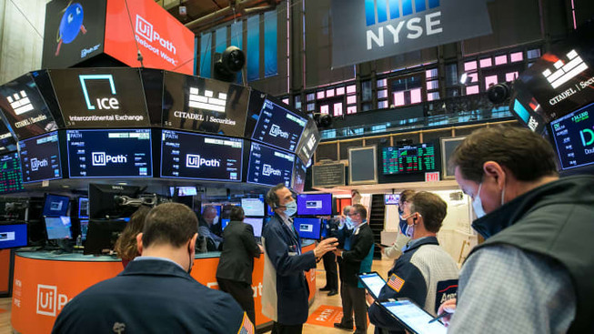 Cloud stocks plunge: Six-month low as investors rotating financials