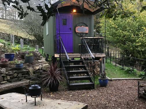 STAY IN THE LUXURIOUS BLACKSMITH OR WOODLAND SHEPHERD HUTS AT ORREST HEAD