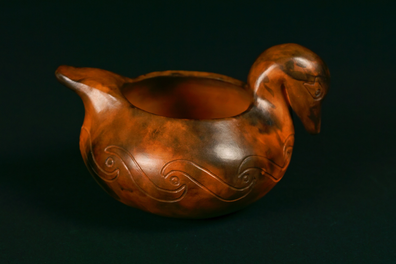210 - Duck effigy bowl