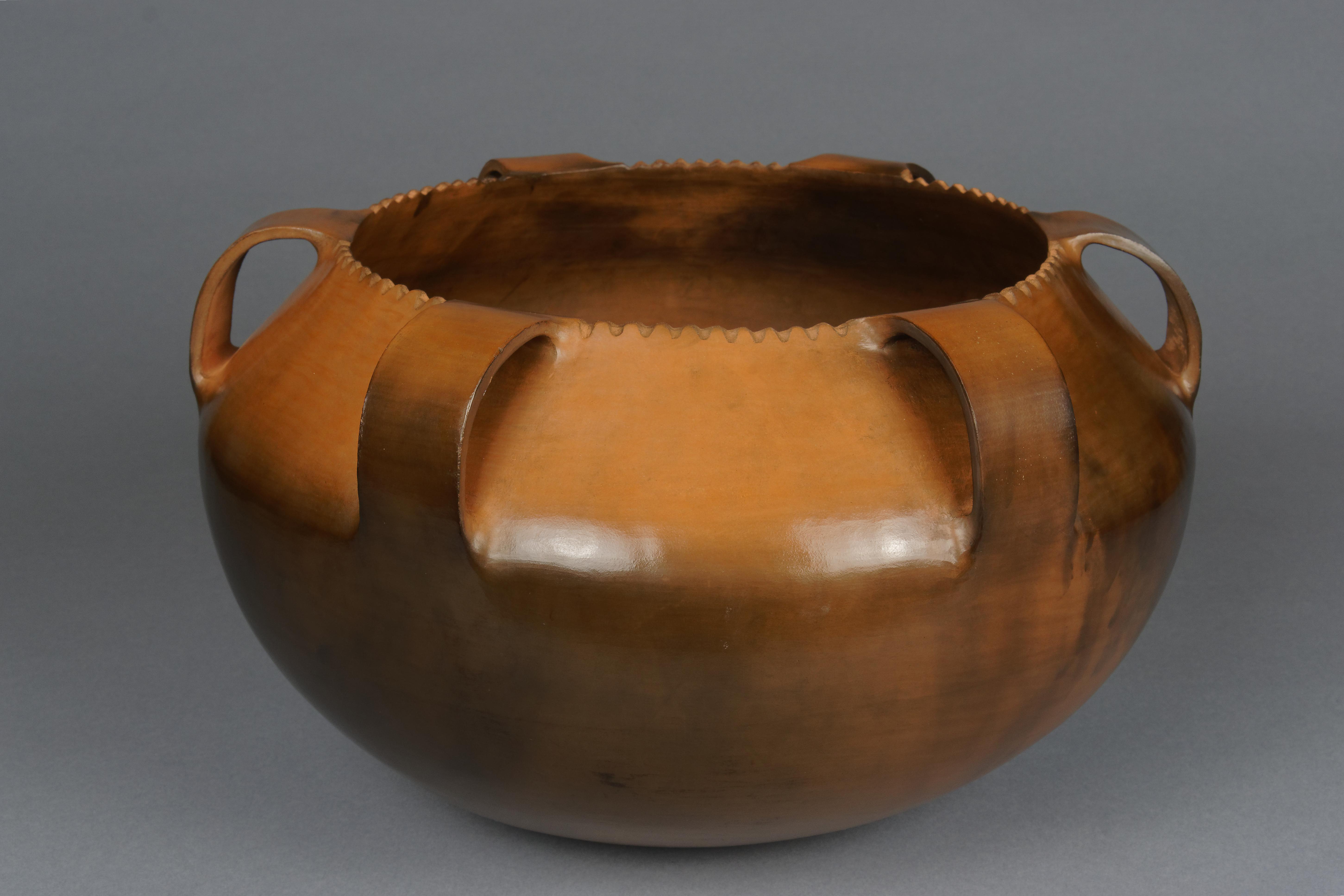 184 - Six handle cook pot