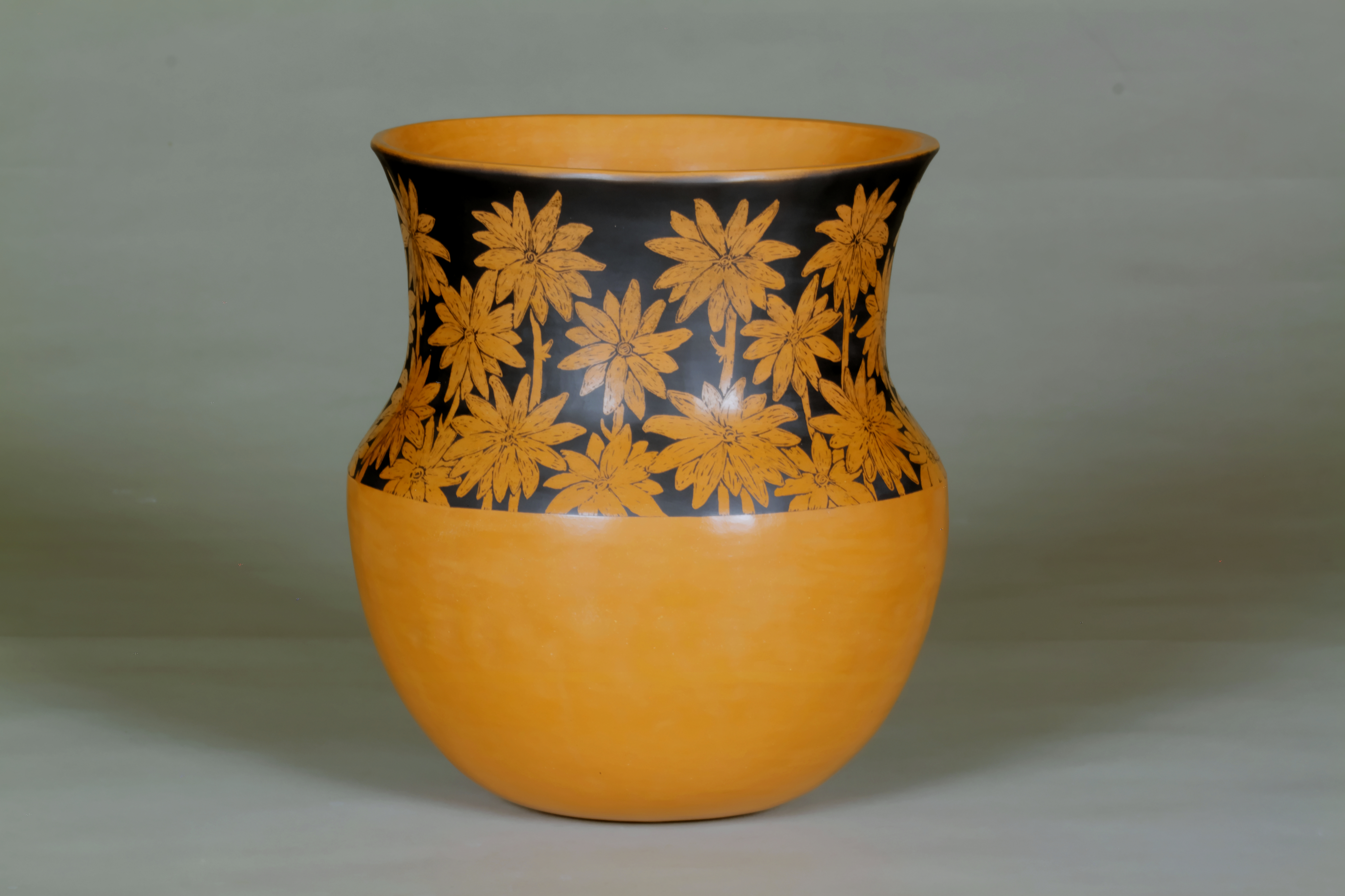 132-Daisy Jar