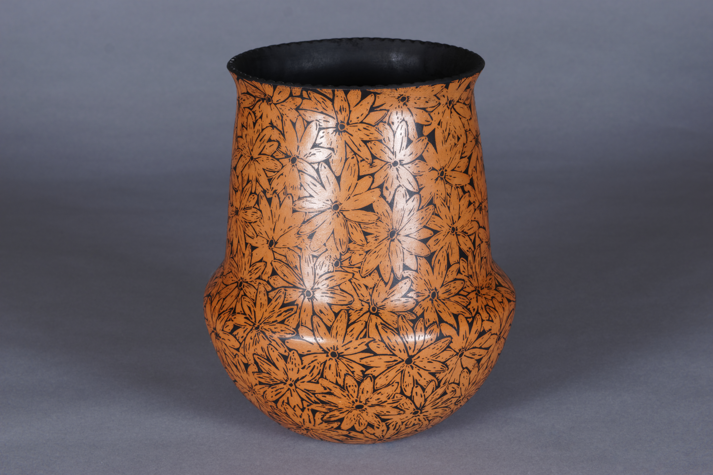 185-Sgraffito Daisy Jar