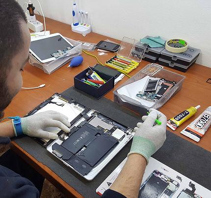 riparzioni,iphone,technico,table,apple