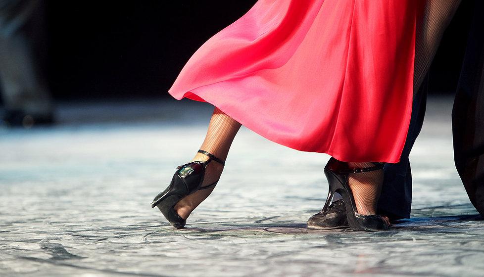 bauernscheune-tanzen.jpg