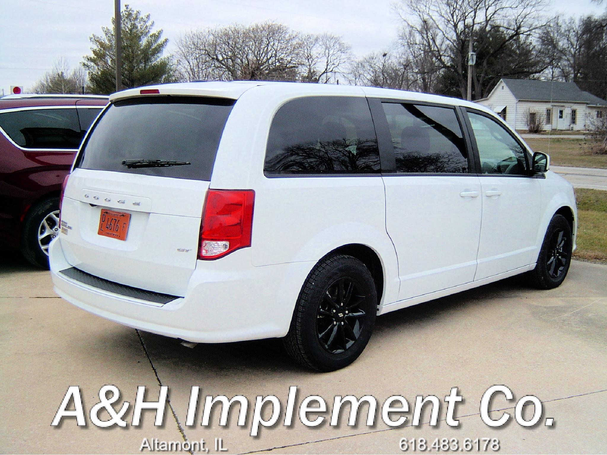 2020 Dodge Grand Caravan GT - White 2