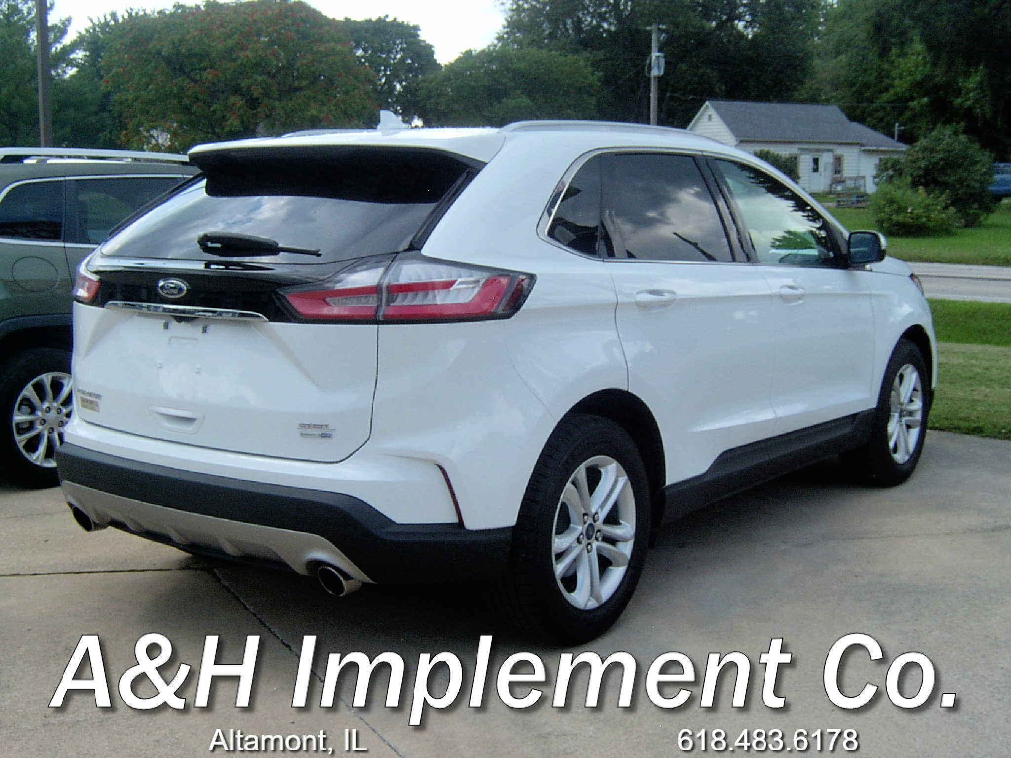 2019 Ford Edge SEL - White 2