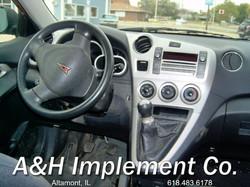 2009 Pontiac Vibe - red 4