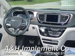 2021 Chrysler Voyager LXI - white 3