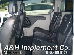 2019 Dodge Grand Caravan SXT - white 5a