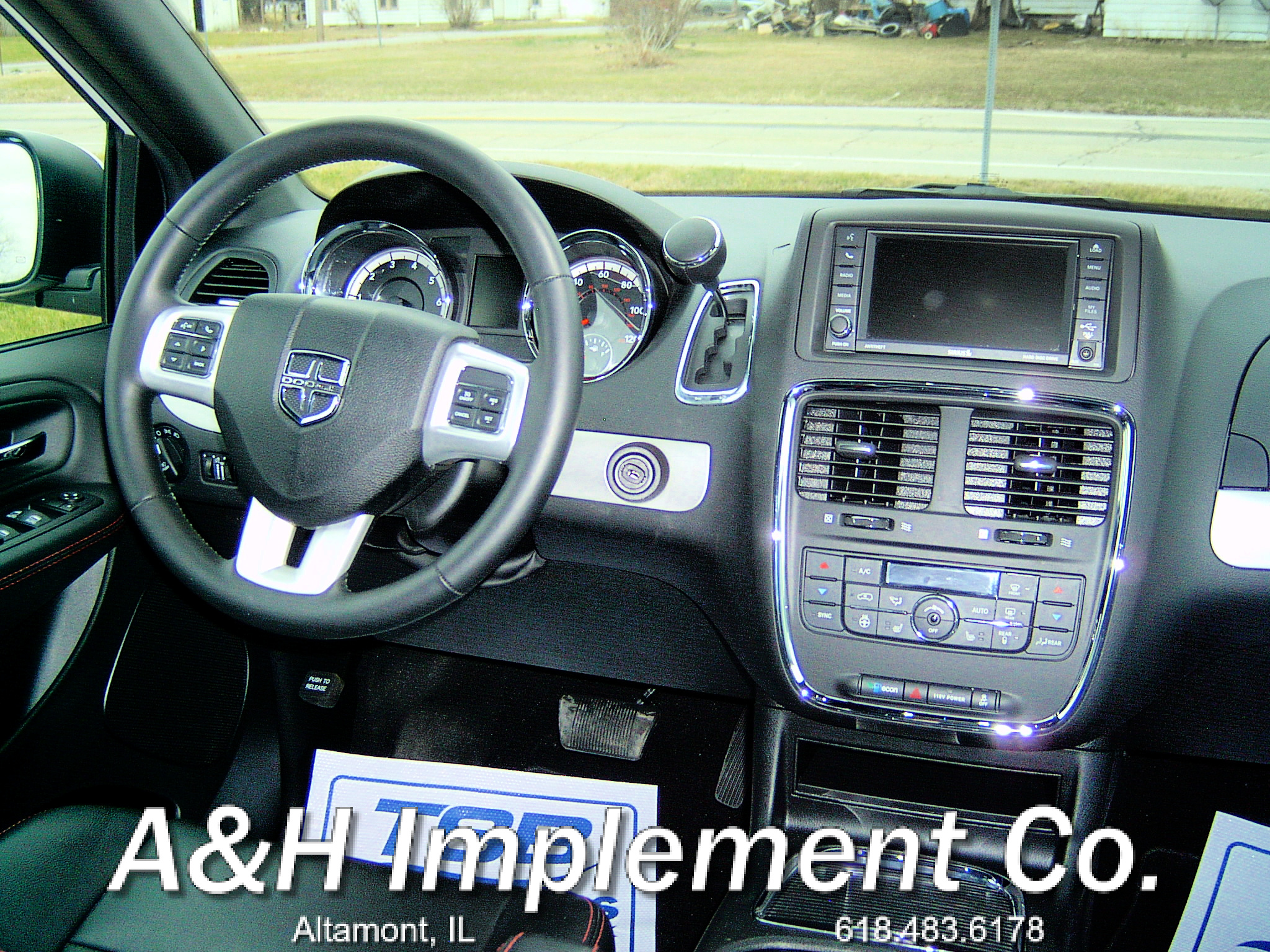 2020 Dodge Grand Caravan GT - White 3