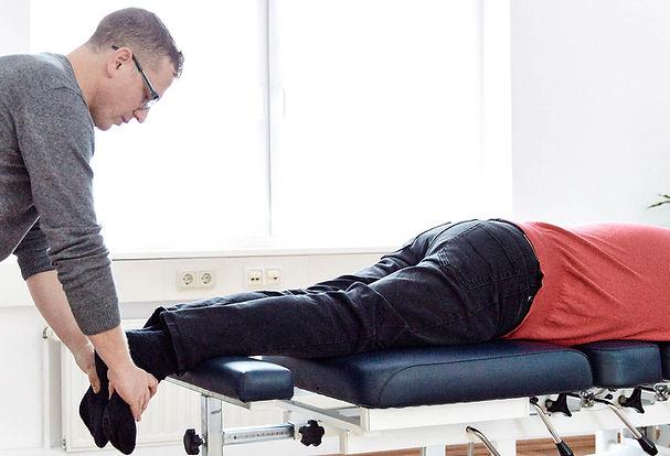 Wiesbaden Chiropraktiker Behandlung