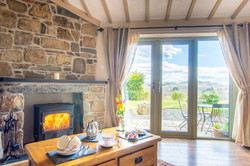 STABAL 2 - TWO ROOM SUITE WITH LOG BURNER