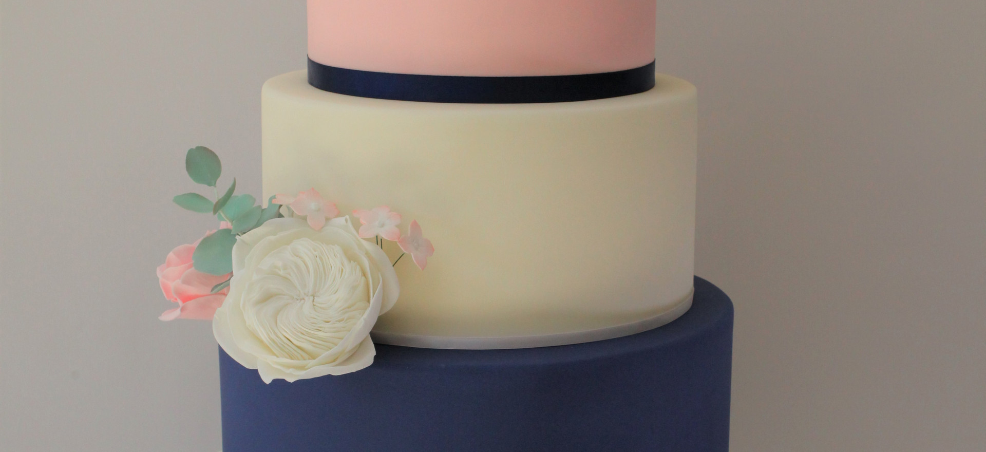 Navy and pink with sugar roses
