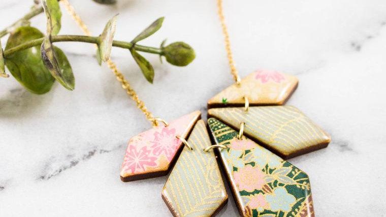 Green Floral Geometric Petal Necklace