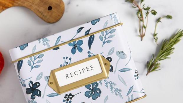 Indigo Floral Recipe Tin