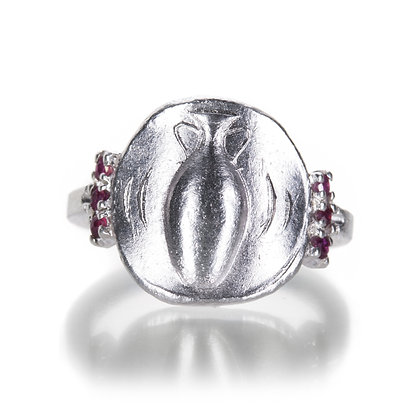 Amphora Ring With Side Rubies