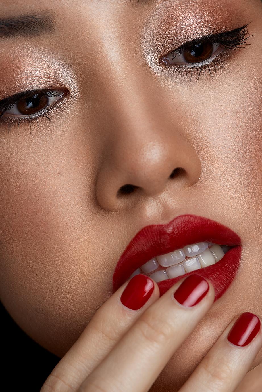Red lip dewy skin