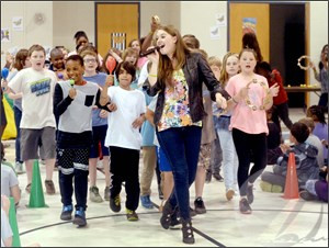 Stop the bullying: Activist, singer Sider opens NC school tour in Camden (DailyAdvance)