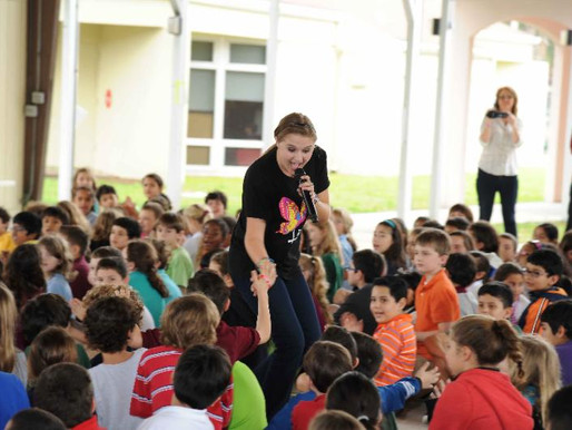 Lizzie Sider Continues Anti-Bullying Tour (The Boot)
