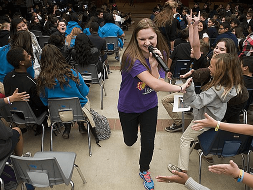 Country singer brings anti-bullying message to Hesperia school (Daily Press)