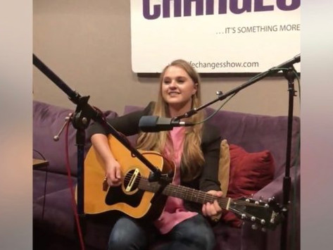 """Lizzie plays """"Butterfly"""" Unplugged on The Life Changes Show"""