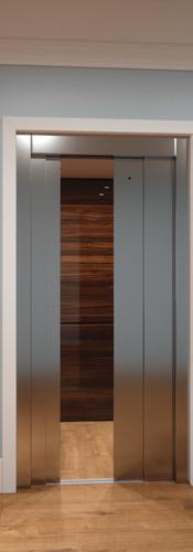 Final Slim Luxury elevator doors half op