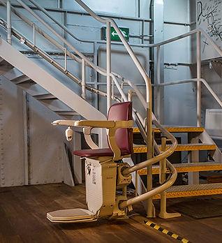 belfast-barge-lift-installation.jpg