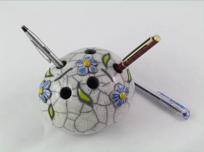 Galet Pique-Crayons Fleurs Bleus