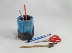 pot-crayon bleu