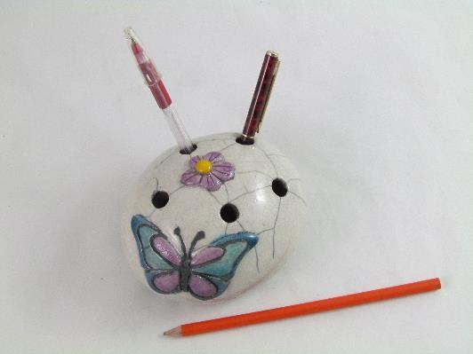 Galet Pique-Crayons Papillon