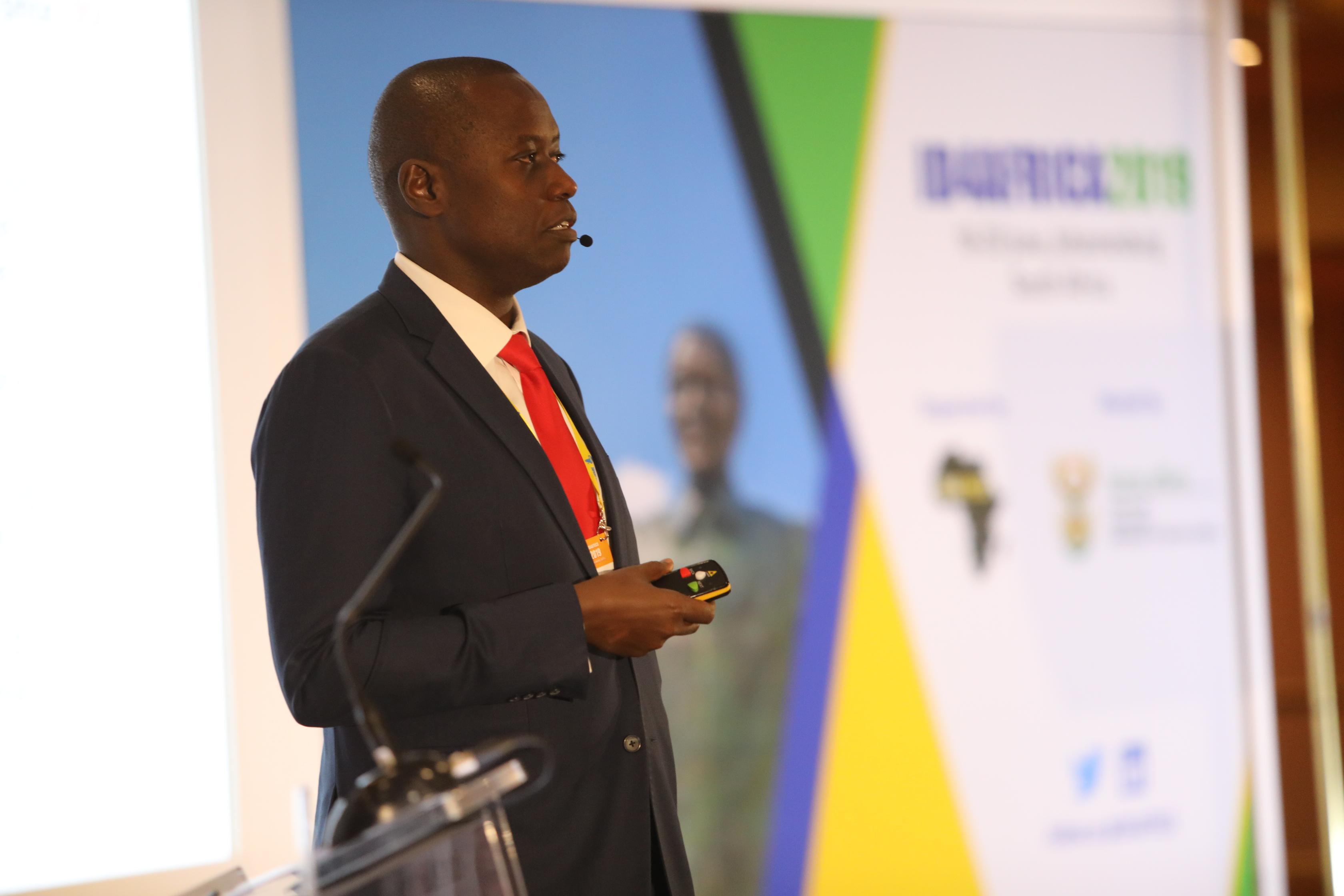 Kenya Robert MUGO
