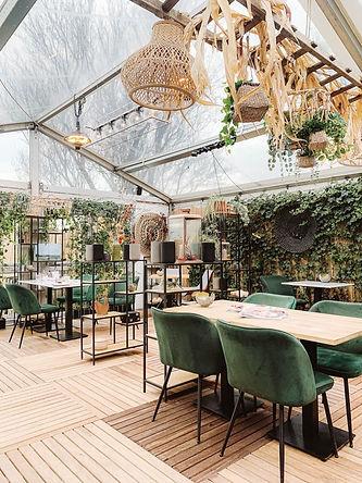 Texel-Op-Oost-restaurant-768x1024_edited.jpg